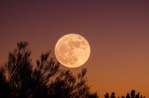 A luminous Full Moon